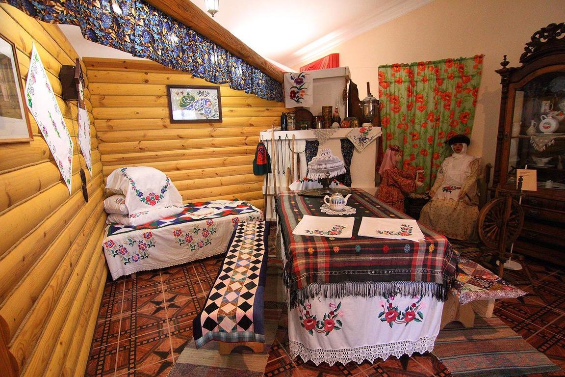 внутри дома Кыш Бабая